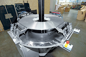 Better manufacturing quality by switching over to a WEISS rotary table